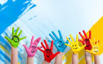 /Files/images/SMILE/hands_paint_children_happiness_positive_smile_92895_2560x1600.jpg